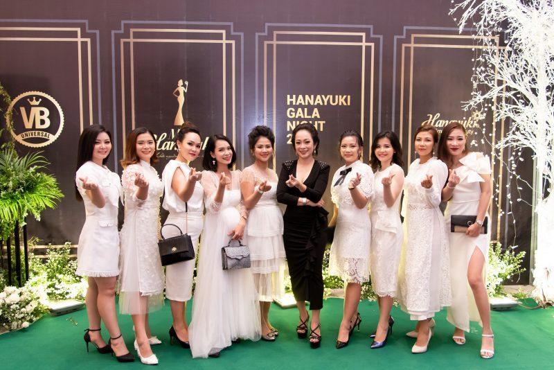 team Hanayuki Tuyết Như tại gala night