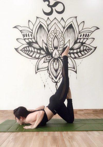 tập yoga giúp giảm mỡ bụng hiệu quả tại nhà