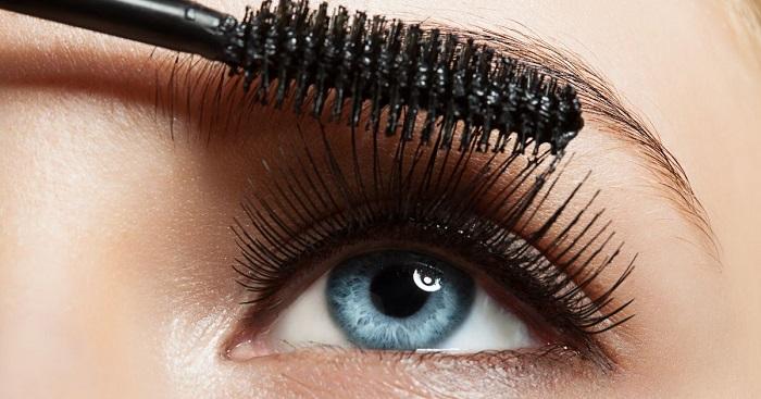 không nên sử dụng mascara cũ