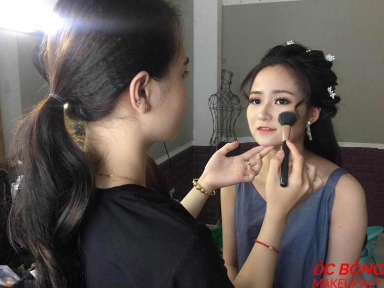 nhận make up tại nhà