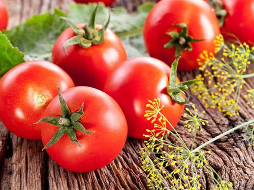 mặt nạ dưỡng ẩm cà chua