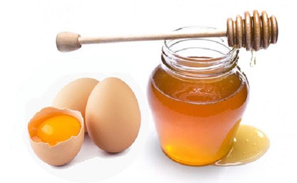 cách tắm trắng bằng mật ong và trứng gà